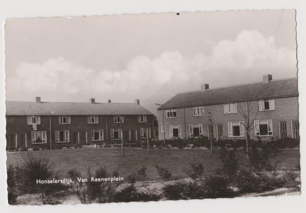 Nog een foto van de Pannenbuurt, die nu honderd jaar bestaat.