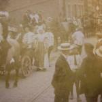 Uitbundige viering van het onafhankelijkheidsfeest in 1913 in Monster.