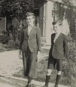 Bernard en Jaap Matz vlak na de bevrijding