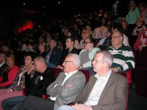 Leen Valstar en Jan Buskes tijdens de presentatie van het boek in De Naald.
