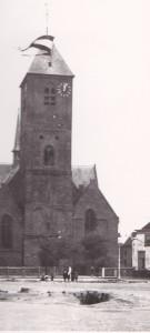 De vlag hangt uit in de toren van de Grote Kerk,dus is het in orde.