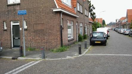 De Prins Hendrikstraat, zijstraat van de Weverslaan aan de ene en de Oranje Nassaustraat aan de andere kant